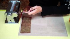 How to make rolled beads with a crackle gold leaf look!