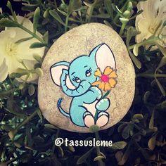 Aysun Hanımın sevimli taşları teker teker tamamlaınıyor. Bugünkü G ❤️Ü N A Y DI N da bu sevimli filden gelsin bakalım.. #fil#elephant#cute