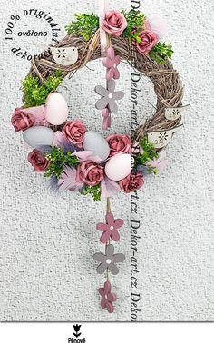Luxusní závěsný jarní věnec v růžové barvě