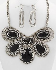 ONLY 1 in ock! 26.65$   Uniklook Silver Black Crystal  Statement Fashion Jewelry Necklace Earrings Set