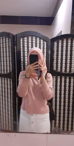 Modern Hijab Fashion, Abaya Fashion, Fashion Outfits, Womens Fashion, Style Fashion, Ootd Hijab, Hijab Chic, Islamic Girl, Girls Without