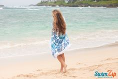 SwimZip Ocean Blue Circle Towel is the perfect way to stay warm while enjoying a walk on the beach.  Our size makes it perfect to wrap around you or snuggle up with your love.  A must have for all beach trips.