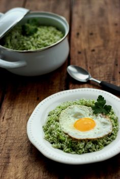 Easy Broccoli Garlic Rice - This simple, fragrant dish can be whipped up in just a few minutes. Use 2 cups of cooked wild rice to make a complete meal for 4, for Phase 3 or D-Burn.