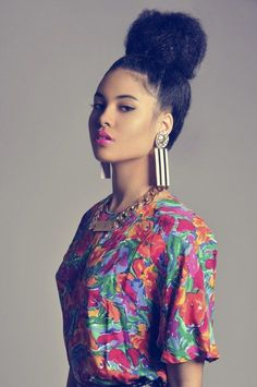 Natural hair - she embraced the life of a bun and fuschia lips