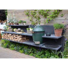 Anthracite WWOO kitchen in the Big Green Egg stand at the Chelsea Flower Show in London! The post Anthracite WWOO kitchen in the Big Green Egg stand at the Chelsea Flower Show in appeared first on aubenkuche.