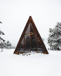 A frame house inspiration A Frame Cabin, A Frame House, Architecture Design, Design Exterior, Cabin In The Woods, Rustic Home Design, Cabins And Cottages, Small Cabins, Log Cabins