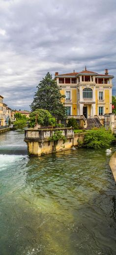 Cloudy day in Isle-sur-la-Sorgue. Provence, France