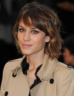 Fabulous colour reproduction of complexion and eye make up in mac and black shirt creating understated luxe. #alexachung