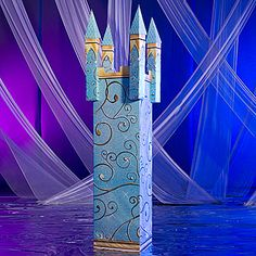 We could decorate the columns like this! We can use paper and make it look like this!