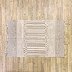 Tapete Juliet Natural e Cinza 120 x 180 cm | referência 82877924 | A Loja do Gato Preto | #alojadogatopreto | #shoponline Juliet, 180, Rugs, Natural, Home Decor, Gray, Carpet, Throw Pillows, Colors