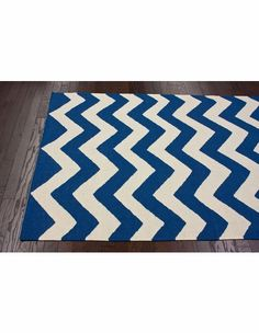 Can't get enough of Chevron and love this shade of blue!