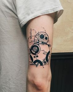 "A super artsy BB-8. | 28 ""Star Wars"" Tattoos That Will Awaken The Force In You"