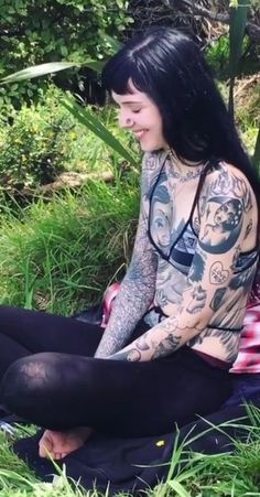 Top Full Body Tattoos for Girls [Designs] 2020 - Tattoos for Girls Body Tattoo For Girl, Hot Tattoo Girls, Full Body Tattoo, Tattoed Girls, Inked Girls, Grace Neutral, Hot Tattoos, Body Art Tattoos, Girl Tattoos
