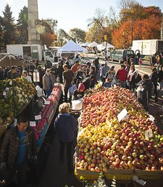 This weekly farmer's market at Grand Army Plaza near Prospect Park's main entrance is open every Saturday from 8 a.m. to 4 p.m. You'll find artican breads and cheeses, homemade baked goods, and in-season produce. Many booths offer free tastings. (212-788-7476; prospectpark.org)   - CountryLiving.com