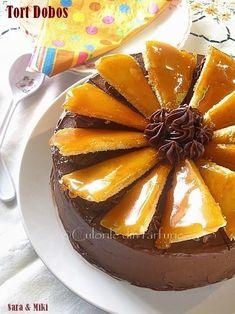 Tort-Dobos1 Romanian Desserts, Romanian Food, Eat Dessert First, Just Desserts, Panna Cotta, Sweet Treats, Caramel, Pudding, Sweets