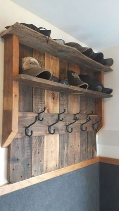 Entertaining DIY wood projects for home and garden from old wooden pallets .Entertaining DIY wood projects for home and garden from old wooden pallets . Wooden Pallet Projects, Wooden Pallet Furniture, Wooden Pallets, Furniture Ideas, Furniture Design, Rustic Furniture, Antique Furniture, Wood Pallet Shelves, Pallet Wood Walls
