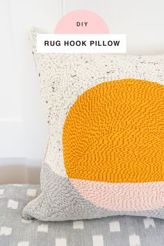 This DIY rug hook pillow