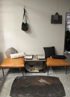 I want to make seat/benches like those Interior Architecture, Interior And Exterior, Decor Interior Design, Interior Decorating, Leather Seats, Living Spaces, Living Room, Kinfolk, Foyers