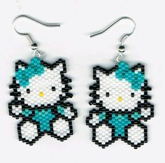 Here is a lovely pair of Hand Beaded Hello Kitty dangling earrings. They measure 1 x 1 They were designed by Linda K Hampton and beaded by me in Beaded Earrings Patterns, Seed Bead Patterns, Beading Patterns, Pony Bead Animals, Beaded Animals, Seed Bead Jewelry, Seed Bead Earrings, Motifs Perler, Pony Beads
