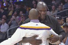 YA'LL Shoulda' HUGGED IT OUT 10+ Yrs AGO!! Lost out on additional #RINGS @SHAQ @kobebryant #Lakeshow (here was a nice little reunion before Sunday night's Golden State Warriors-Los Angeles Lakers game at the Staples Center. Before the game, former teammates Shaquille O'Neal and Kobe Bryant ran into each other and had a nice exchange...)