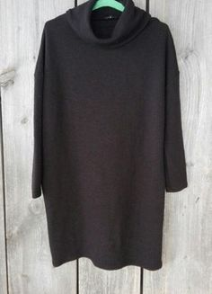 Kup mój przedmiot na #vintedpl http://www.vinted.pl/damska-odziez/krotkie-sukienki/16345032-czarna-sukienka-oversize-golf-river-island