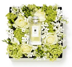 If you're a bit stuck for a gift for your beloved mother/mum/mummy/ma then Jo Malone have taken the stress out of shopping for a limited tim...