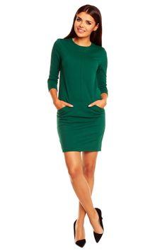 Rochie eleganta, de culoare verde, cu buzunare - Rochie eleganta, de culoare verde, cu buzunare, decolteu rotund si maneci trei sferturi. La spate se inchide cu un fermoar ascuns. Colectia Rochii office de la  www.rochii-ieftine.net