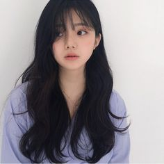 45 The Most Beautiful and Elegant Hairstyles for Curly Hair with Bangs is part of Ulzzang hair - Having a bang hairstyle is a good choice for women who want to have a sexy and attractive appearance These styles give women and men… Korean Hairstyle Long, Korean Long Hair, Hair Korean Style, Style Hair, Ulzzang Hairstyle, Ulzzang Short Hair, Long Asian Hairstyles, Korean Hair Color, Teen Girl Hairstyles