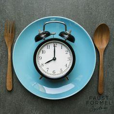 Eine der häufigsten Fragen, die ich als Ernährungsberaterin bekomme, ist: wie oft soll man essen? Ist ein Abstand von mindestens 4 oder 5 Stunden wichtig - oder sind Zwischenmahlzeiten besser?