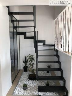 Escalier métal double quart tournant