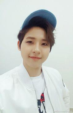 #CNU #B1A4 B1a4, Jinyoung, Twitter, Shit Happens, Muscles, Deep, Muscle