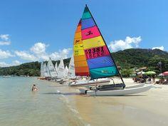 Praia de Zimbros - Bombinhas, SC - Brasil - http://turismo.bombinhas.sc.gov.br