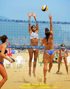Pictures of girls playing sports Nfl Sports, Sports Women, Beach Volleyball Girls, Crossfit Women, Hot Cheerleaders, Woman Beach, Ms Gs, Extreme Sports, Sport Girl
