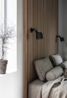 Home Interior Warm Tour a Modern Warm and Minimal Scandinavian Home.Home Interior Warm Tour a Modern Warm and Minimal Scandinavian Home Interior Design Work, Home Interior, Interior Colors, Interior Livingroom, Interior Modern, Japanese Modern Interior, Japanese Home Decor, Interior Walls, Modern Bedroom