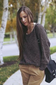 love this outfit, cute sweater