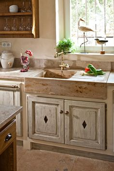 Provençal-style kitchens fine woods JC PEZ homemade in Vaucluse Provence - Cuisines Pez
