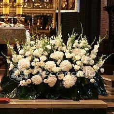 Church Aisle Decorations, Table Decorations, Church Wedding, Altar, Floral Arrangements, Projects To Try, Plants, Home Decor, Flower Arrangements
