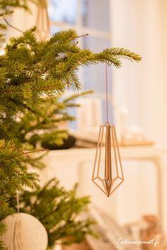 Valona Design at Talosanomat.  http://www.talosanomat.fi/varaslahto-jouluun/