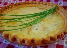 Alsatian Quiche- Traditional French recipe from the mountain regions of France. From Palatable Pastime Gourmet Breakfast, Breakfast Quiche, Breakfast Recipes, Bisquick Recipes, Quiche Recipes, Quiche Pastry, Traditional French Recipes, Brunch Items, Alsatian