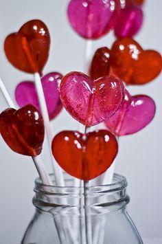Piruletas de corazón para candy bar