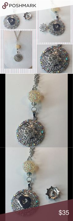 Snap Interchangeable Necklace Snap/Interchangeable Jewelry  Antique sliver flower carved jewelry with 18mm snap buttons,  and interchangeable jewelry, very versatile, personalize jewelry. You can design your own jewelry. Oracle Jewelry Jewelry Necklaces