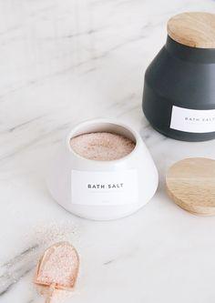 Boonradom_Meelarb_Co_Pusana_Bath_Salt_hr
