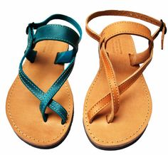 Toe-wrapper Strappy Sandals Women Leather by NikolaSandals on Etsy Camel Sandals, Toe Ring Sandals, Leather Sandals Flat, Bare Foot Sandals, Strappy Sandals, Flat Sandals, Greek Sandals, Shoe Art, Cow Leather