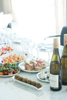 Valmistujaisjuhlien tarjottavat - Sweet Food O´Mine Appetizer Recipes, Appetizers, Bon Appetit, Sweet Recipes, Food And Drink, Parties, Table Decorations, Birthday, Fiestas