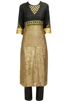 Black sequinned kurta set available only at Pernia's Pop-Up Shop.