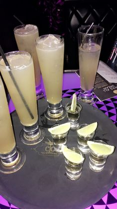 Long Island iced teas and tequila shots Food Snapchat, Instagram And Snapchat, Fancy Drinks, Yummy Drinks, Alcohol Aesthetic, Tequila Shots, Snap Food, Iced Tea, Party