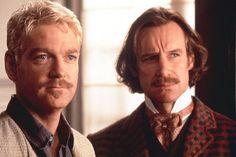 Hamlet (Kenneth Branagh) y Horacio (Nicholas Farrel); Hamlet (1996).