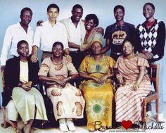 President Obama & his Kenyan family  www.baracklovesmichelle.com