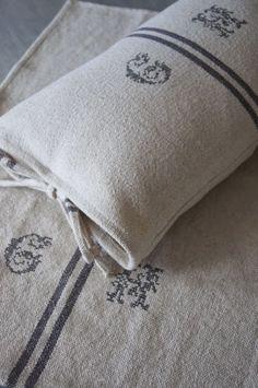 Haikaranpesä kodiksi.: Provencelainen tyyny.