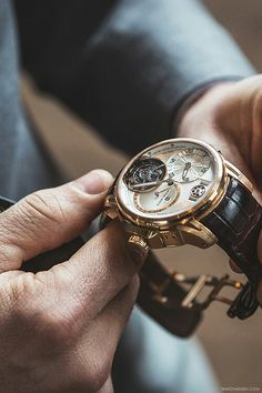 Get first copy of branded watches online on Amazing Baba. Here you can buy replica luxury watches online, Replica Watches aaa quality & First Copy Watches at less prices. Best Watches For Men, Fine Watches, Luxury Watches For Men, Cool Watches, Rolex Watches, Patek Philippe, Audemars Piguet, Fleurier, Skeleton Watches